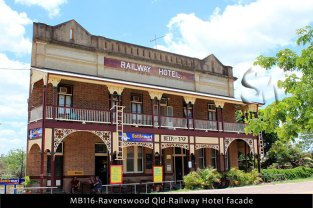 MB116-Ravenswood-Qld-Railway-Hotel