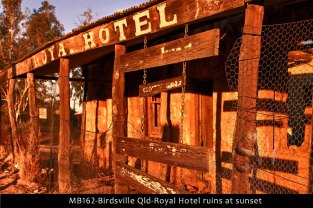 MB162-Birdsville-Qld-Royal-Hotel-ruins-at-sunset