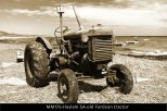 MM176-Haslam-SA-old-Fordson-tractor