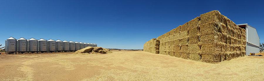 pano-heaps-of-hay