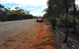 Blowout-Eyre-Hwy-track-left-by-blown-tyre