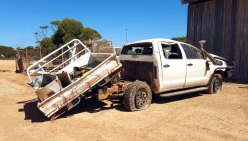 Eyre-Hwy-Hilux-didn't-make-it