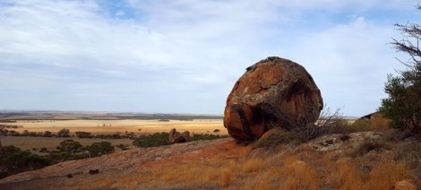 One of many rocks forming Tcharkuldu Rock