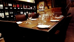Sevenhill Hotel-Dining in cellar