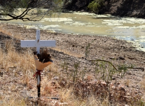 Stonehenge-Thomson River grave of child died of Appendicitis Warbreccan Station due to flooding