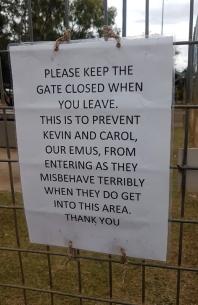 Yaraka-notice on gates